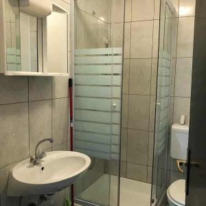 APPFour-bathroom