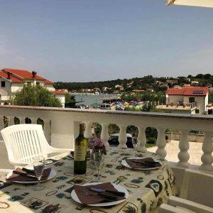 APPFour-terrace3