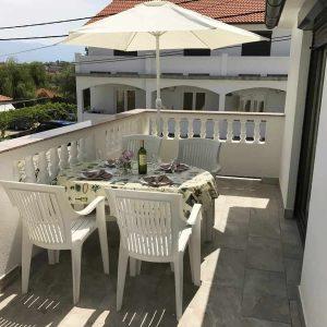 APPFour_terrace2