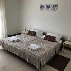 APPSix-bedroom